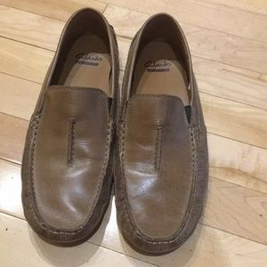 🤝 Accepting Offers 🤝Clarks casual loafers